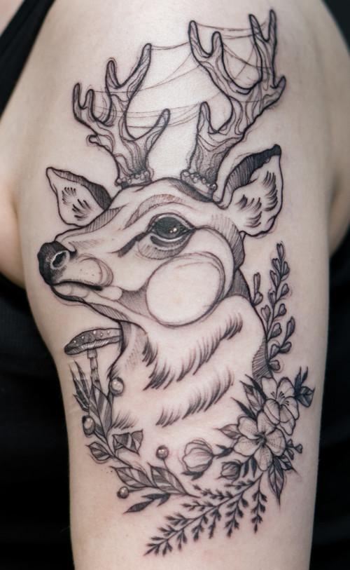 Tatuaże realistyczne i rysunkowe